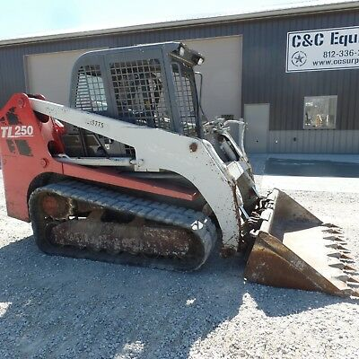 2012 Takeuchi TL250Tracked skidsteer Good Shape Video New Tracks Cab!