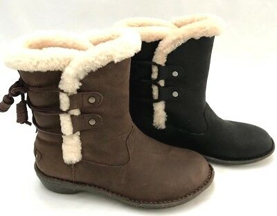 7008d7fddb1 UGG WOMEN'S AKADIA Winter Lace Up Boots Leather Shearling Black and Brown
