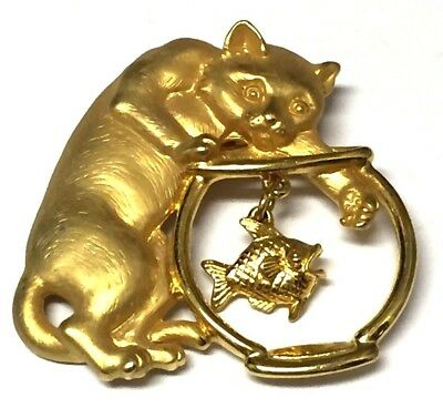 JJ Jonette Signed Gold Tone Cat Catching Paw In Fishbowl Fish Charm Pin  Brooch
