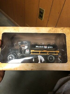 Mobil 1931 Kenworth Mobi Oil Gas Truck Limited Edition