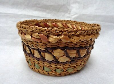 ANTIQUE Vintage  CHIPPEWA OJIBWE Small HANDWOVEN BASKET Unsigned