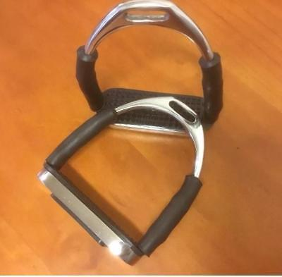 """NEW Flexiable Safety Stirrup Irons 4.5"""" All Items"""