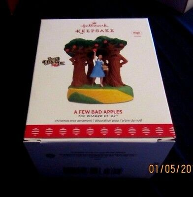 Hallmark Ornament Wizard Of Oz 2017 A Few Bad Apples~New~Tested~Box Good W/tag!