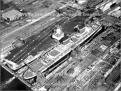 Poster Print: The SS United States & The USS Enterprise, Newport News, Va 1964