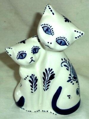 """Delfts Blau Cats Figurine Hand Painted Holland 5 1/2"""" Tall"""