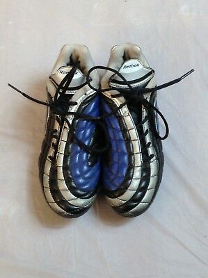 9af0ddd43e7 REEBOK YOUTH SOCCER Cleats Size 12.5c Black Gold Excellent Condition ...