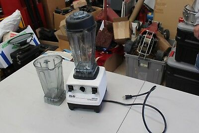 Vita-Mix Super 5000 Total Nutrition Center Blender Model VM0103 Bundle