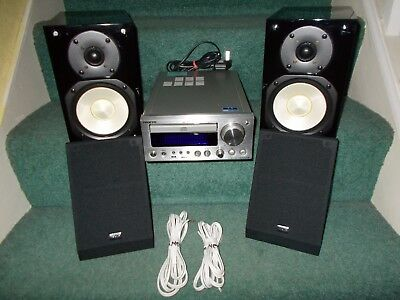 Onkyo CR-505DAB CD player/DAB/FM radio amplifier combo. + 2 x speakers + remote