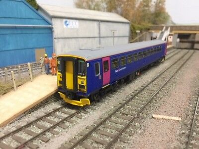 Hornby R3352 Class 153 First Great Western 153329