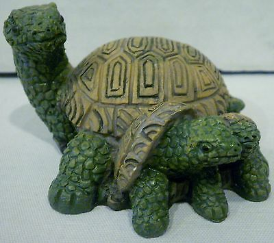 Mama Turtle With Her 2 Babies Figurine