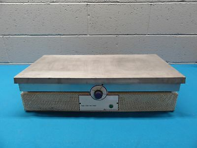 Barnstead Thermolyne Type 2200 Hot Plate HPA2245M 0-400° Celsius 3200 Watt 12x24