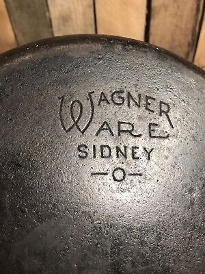 VINTAGE WAGNER WARE CAST IRON SKILLET FRYING PAN #8 SIDNEY 0 1058-B 2 Spouts