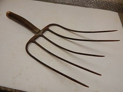 Vintage Primitive Rustic Rusted Old 5 Tine Pitch Fork Head, glued, Rural & Farm