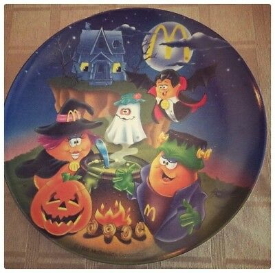 VINTAGE 1995 Collectible McDonalds Halloween Plate ~ Throwback!!