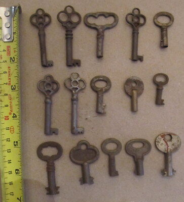 15 VINTAGE BARREL SKELETON KEYS lot g