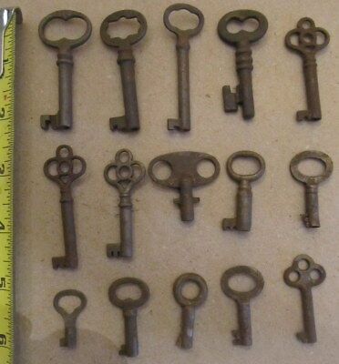 15 VINTAGE BARREL SKELETON KEYS lot j
