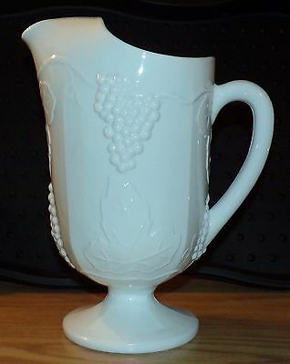 Indiana Colony Harvest Grapes Pattern Large Water Lemonade Pitcher w Ice Lip EUC