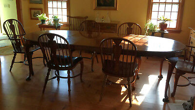 Drexel Heritage Queen Anne Style Dining Set, Table, 4 side chairs, 2 arm chairs