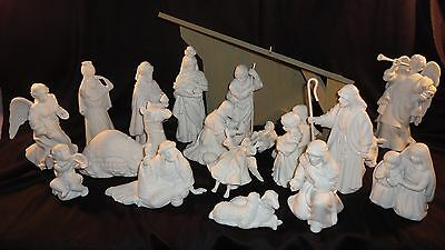 Avon Nativity Collectibles 21 Pc. Set Lot with 4 Angels