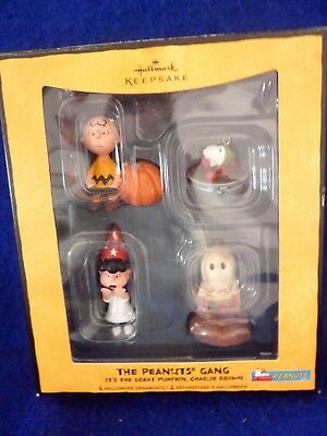 The Peanuts Gang Snoopy Charlie Brown Hallmark Halloween Ornament Figure 2008