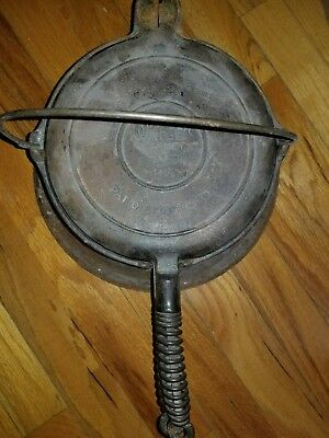 """Nice"" Ca. 1925 Wagner Ware Sidney -O- 1408 Cast Iron Size No. 8 Waffle Maker"
