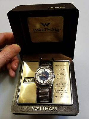 Vintage Waltham 17 Jewel Automatic Date Men's Wristwatch Stretch Stainless Band