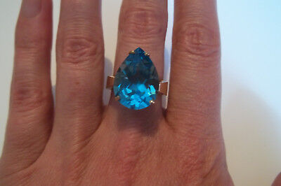 10k Yellow Gold Large Swiss Blue Topaz Statement Solitaire Ring size 7 Vintage