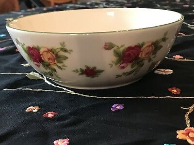 Royal Albert 1999 OLD COUNTRY Roses Casual Classics H5271 Fine China