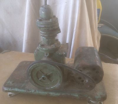 Antique Vintage Pulley Belt Miniature Air Compressor. No Name Plate. Works