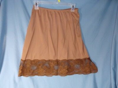 Vintage Chocolate Brown Vanity Fair Half slip size M  pretty lace hem - made USA