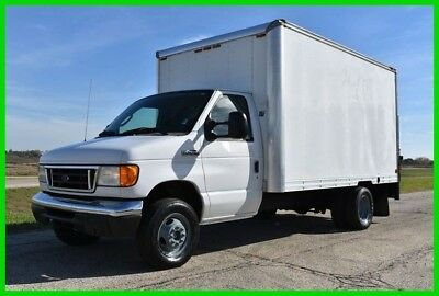 2007 Ford E-450 12' Ft Box Truck with lift gate! - Low reserve Auction!