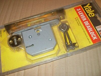 "Yale PM322 2 1/2"" 3 Lever Deadlock - As Photo."