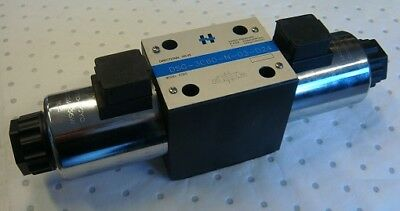 Ceetop 5 Directional Valve 4 Way 3 Position 24VDC Solenoid Operation