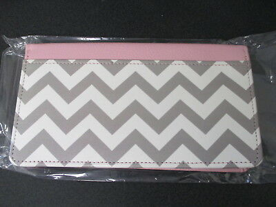 Pink w/Grey/White Zig Zag Leather Deluxe Zippered Checkbook Cover Wallet New