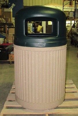 Doty & Sons 32 Gallon Concrete Trash Can With Insert And Cover ***nnb***