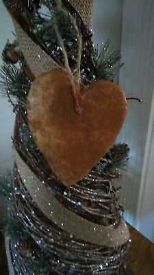 PRIMITIVE grubby Valentines Heart Ornament or bowl fillers