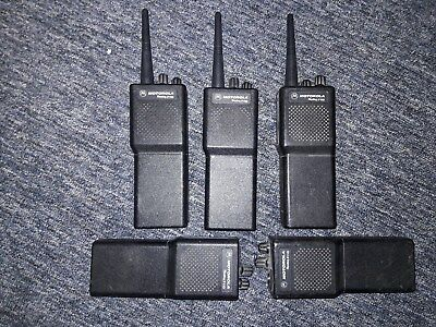 Lot of 5 Motorola P110 UHF 4 watt 25 khz Wide 12.5 khz Narrow Band + Chargers