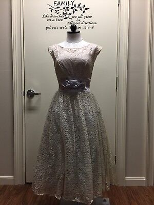 True Vintage Lace Formal Gown Ivory Tea Length  Full Original  Size Small 2-4