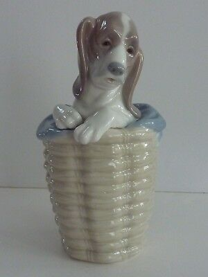 LLADRO DOG IN BASKET #1128 Figurine Basset Hound in Basket RETIRED