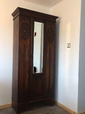 Edwardian Arts and Crafts oak wardrobe