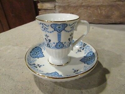 Avon Collectible Blue and White Tea Cup and Saucer Set 1984 Florence Circa 1560