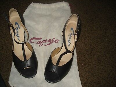 """CAPEZIO Black Leather T-Strap 2.5"""" Heel Character Shoes Size 8 1/2' With Bag"""