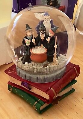 Warner Brothers Store Exclusive Harry Potter Snow Globe Hedwig Pens Hermione