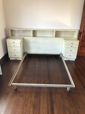 Rare Mid century American Of Martinsville Bedroom Set