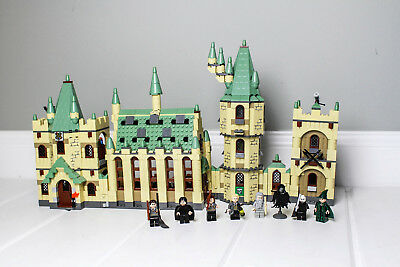 LEGO Harry Potter Hogwart's Castle 4842 99.9% Complete with three manuals