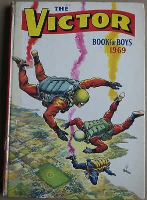 THE VICTOR BOOK for BOYS, Annual 1969 (D.C. Thomson & Co Ltd 1968)