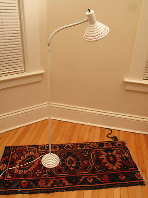 Vtg Mid Century Modern Cute Ribbed White Red Circles Metal Floor Lamp Low Sofas