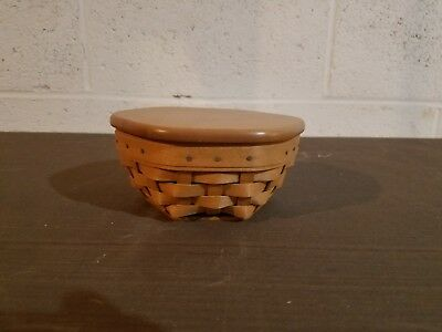 2001 small octagon longaberger basket with lid and protector