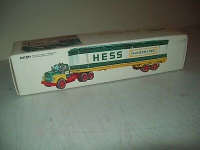 1975 Hess Toy Truck British Hong Kong mint in box Working