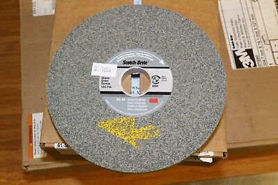 "3M Scotch-Brite EXL XP 6"" x 1/2"" x 1"" Unitized Deburring Wheel 10S Fine Hard"